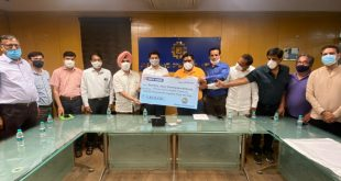 rca-officials-handed-over-check-to-jda-commissioner